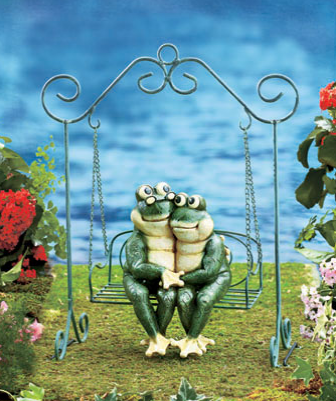 Sweet Couple Garden Statue