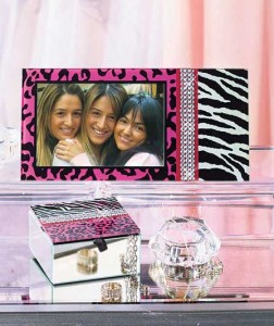 Animal Print Frame and Box Gift Set stores your trinkets and displays a special photo in leopard and zebra prints with rhinestone accents.