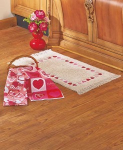 Holiday Kitchen Coordinates add festive cheer while you cook and clean.