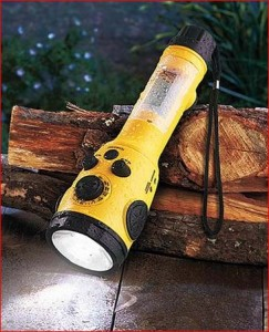 Weather-Radio-Flashlight