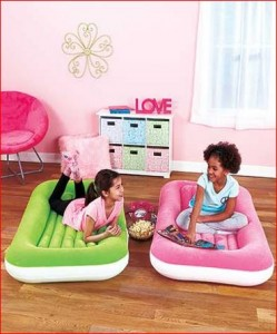 inflatable-kiddie-beds