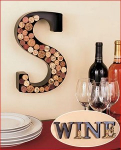 metal-monogram-wine-cork