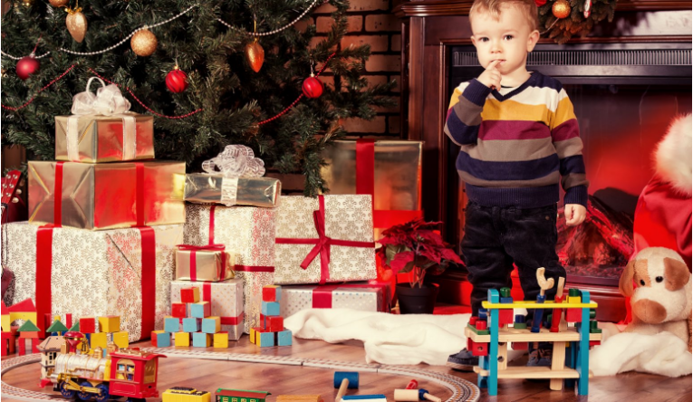 mind-boggling-benefits-buying-christmas-toys-early