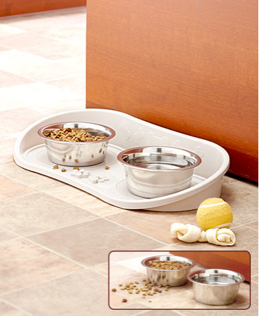 no-skid-pet-bowl-tray