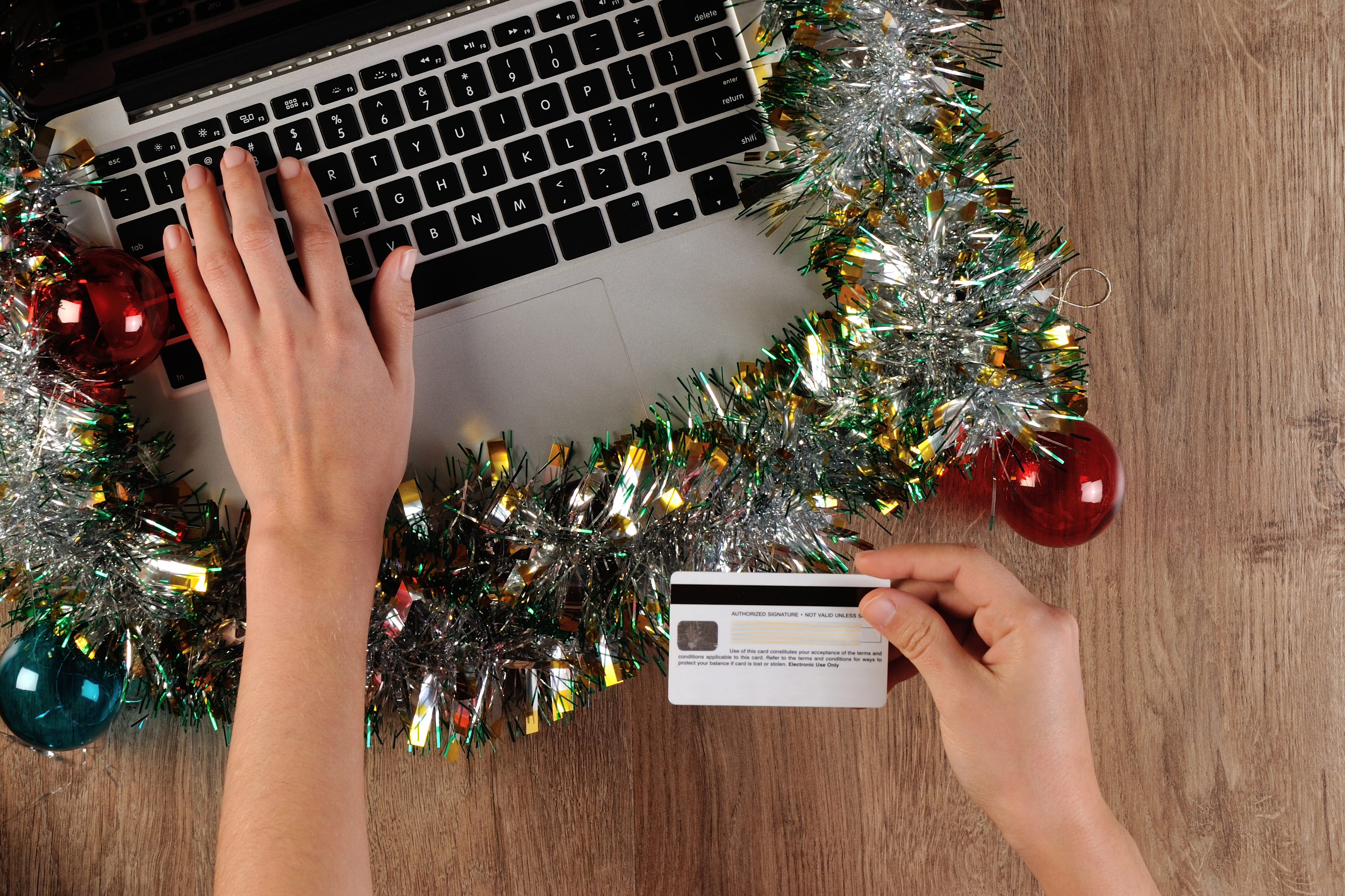 Christmas-online-shopping