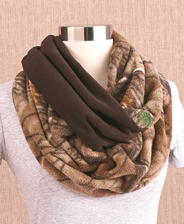 fuzzy-fleece-realtree-infinity-loop-scarves