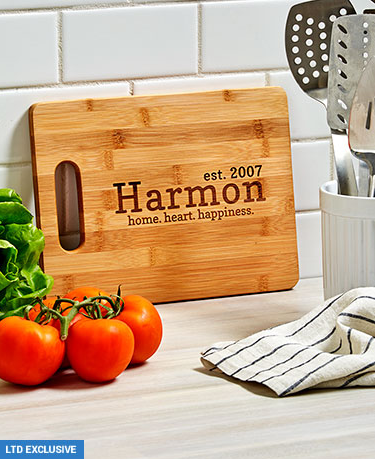 personalized-bamboo-cutting-boards