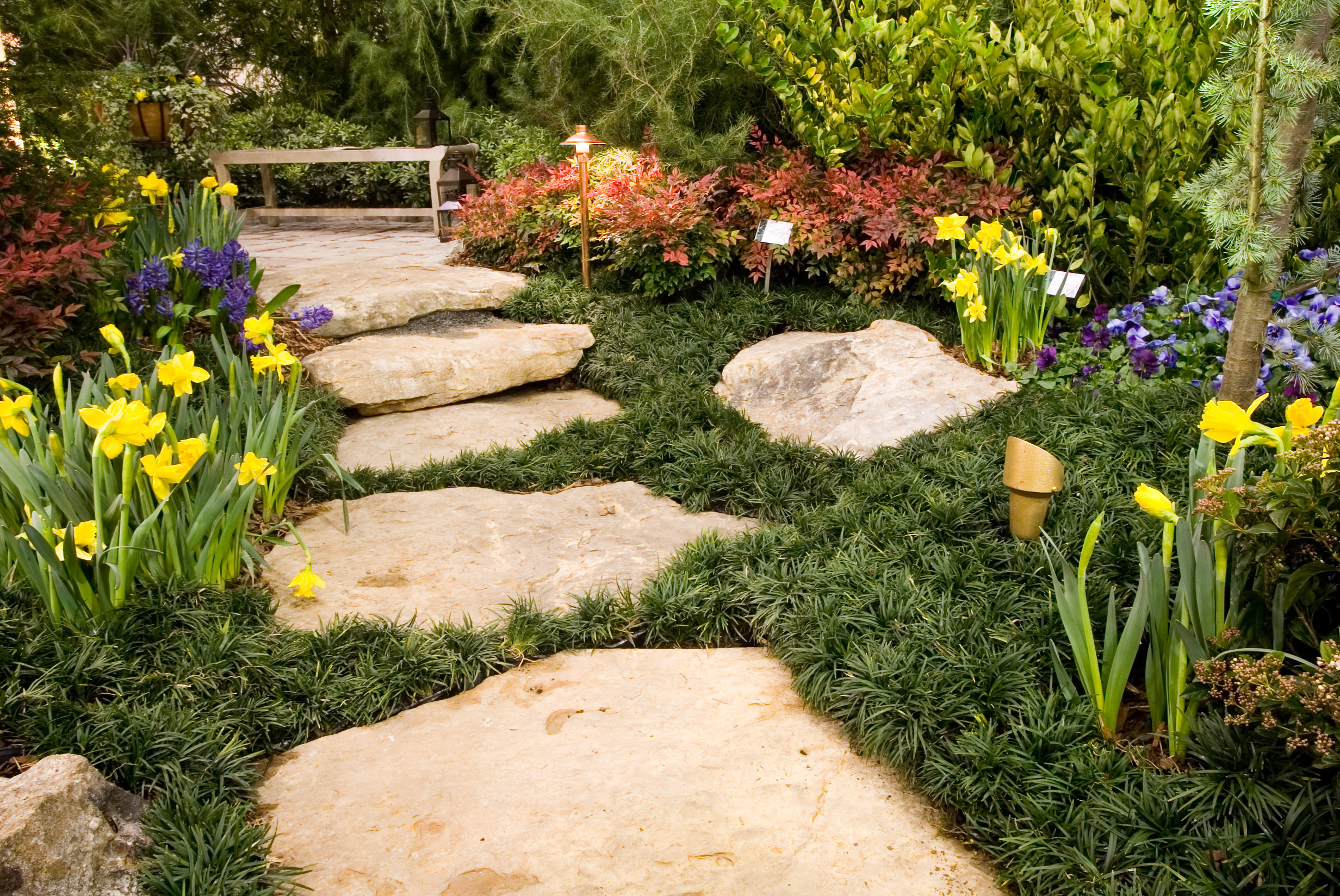 10 Garden Decorations to Bring Life to Your Lawn this Spring