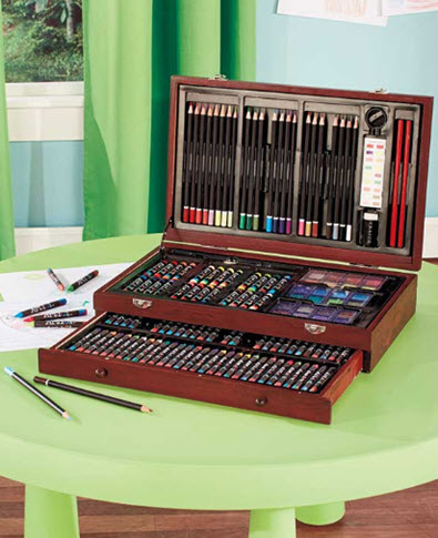 142 Piece Wooden Art Set
