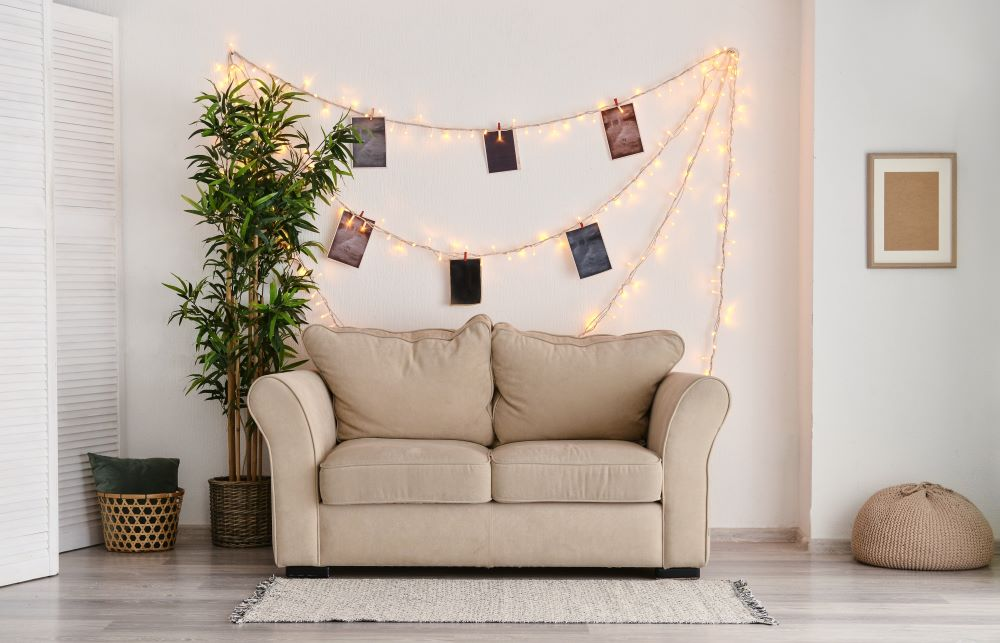 DIY Wall Decorating Ideas - Fairy Light Photo Wall