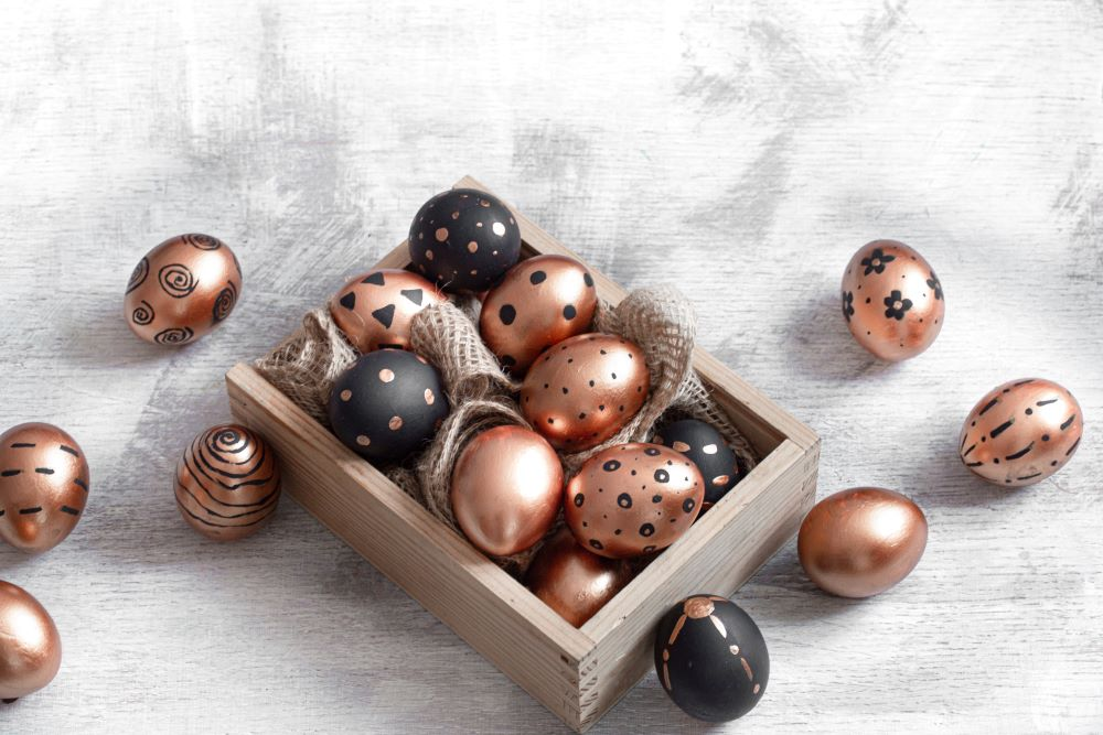 Easter Egg Decorating Ideas - Black & Gold