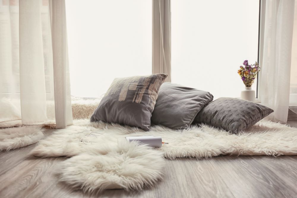 Bedroom Makeover Ideas - Furry Rug And Pillow