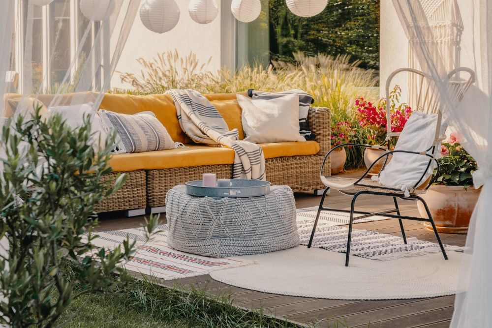 10 Small Patio Decorating Ideas To Open Up Your Space Ltd Commodities
