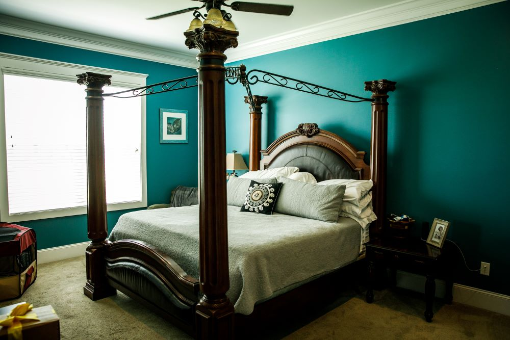 Bedroom Makeover Ideas - Teal Painted Walls