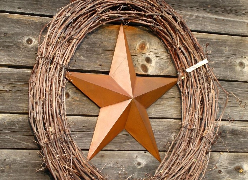 How To Decorate With Primitive Style - Barn Stars