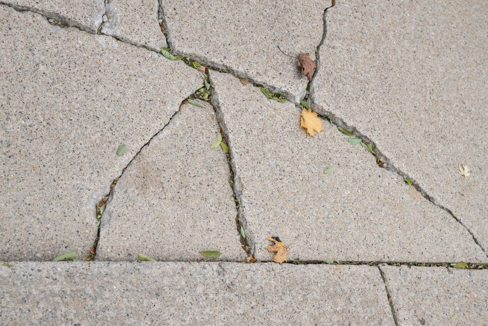 Sealing Sidewalk Cracks