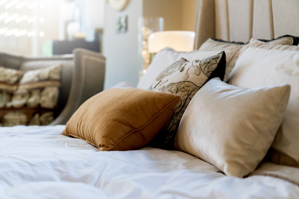 Use An Odd Number Of Throw Pillows On Your Bed