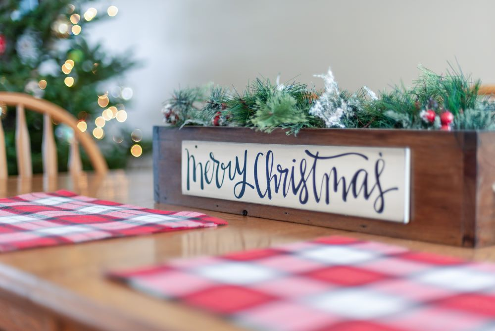 Buffalo Plaid Place Mats With Christmas Centerpiece
