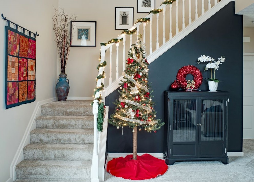 Small Christmas Tree In Entryway