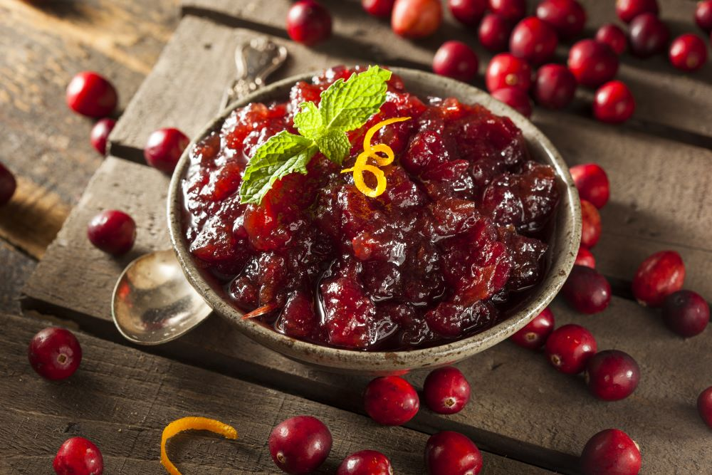 Thanksgiving dishes to make ahead of time - homemade cranberry sauce