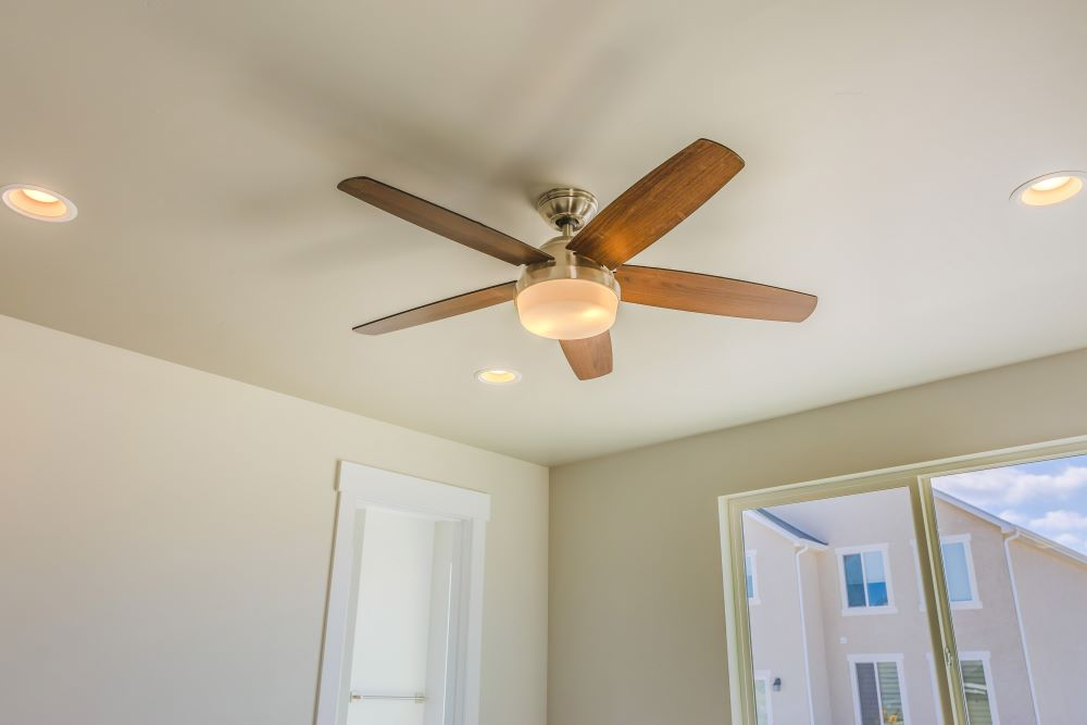 Set Ceiling Fan Clockwise In Winter