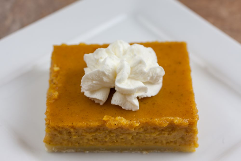 Thanksgiving dishes to make ahead of time - pumpkin pie bars