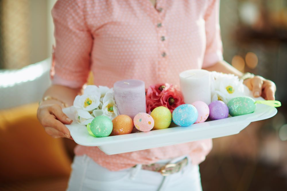 How To Decorate For Easter On A Budget - DIY Easter Candle Arrangement