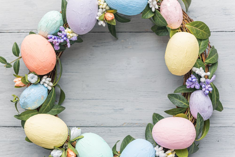 How To Decorate For Easter On A Budget - DIY Outdoor Easter Decor