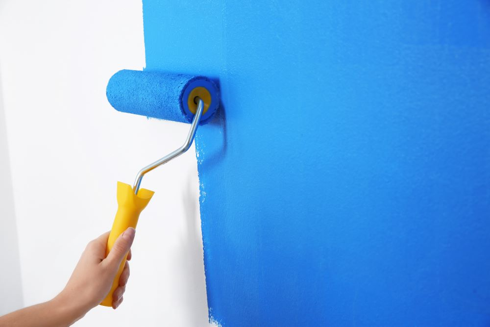 Paint Walls With Roller Brush