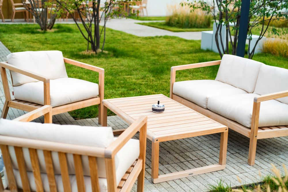 How to Create A Cozy Outdoor Living Space - Outdoor Furniture