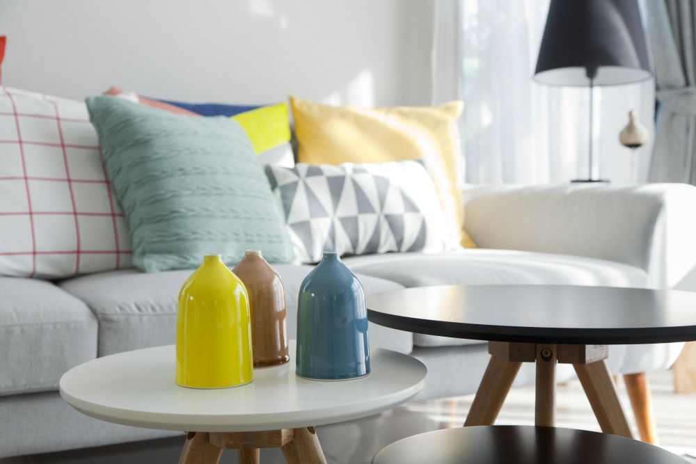 how to mix patterns in a room - use neutral colors in the room