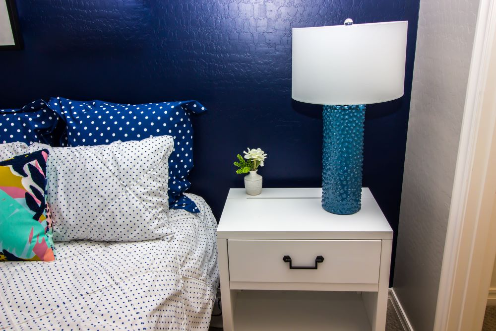 Easy Bedroom Upgrade Ideas For Summer - display an accent wall