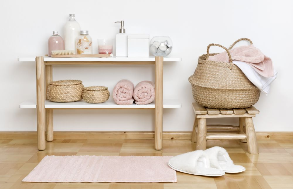 New bathroom towels and rugs
