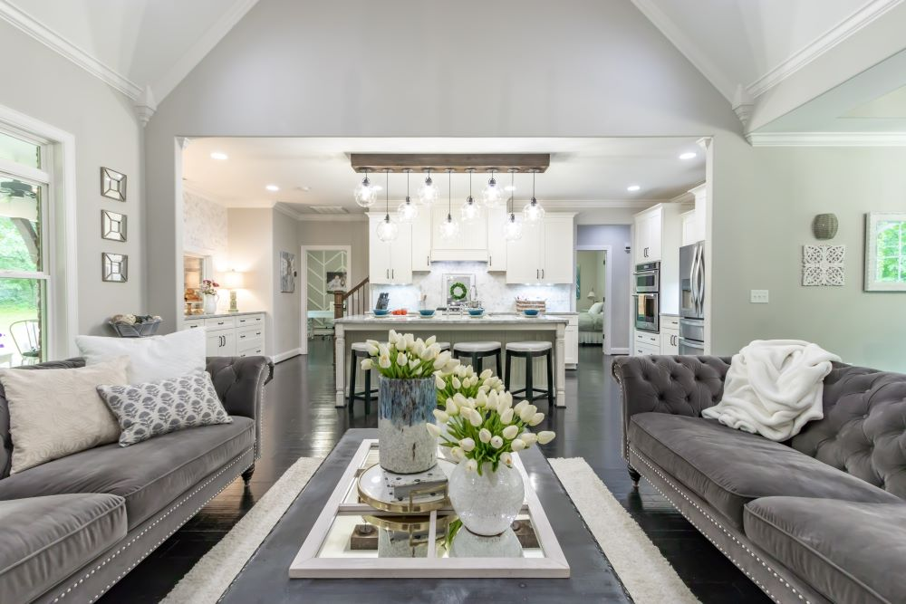 Coffee Table Decorating Ideas - mirrored tray