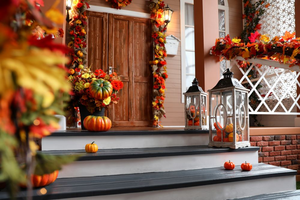Ways To Decorate With Leaves - fall porch decor