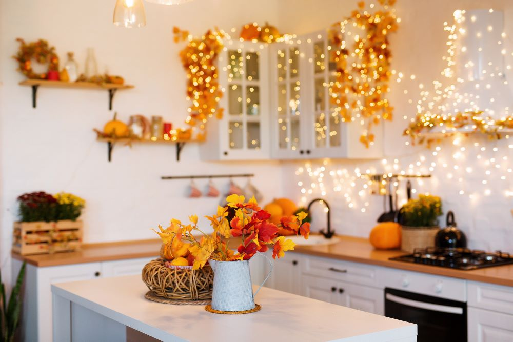 Ways To Decorate With Leaves - fall leaf display in vase