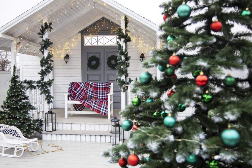 Country Christmas Decorating Ideas - country Christmas porch