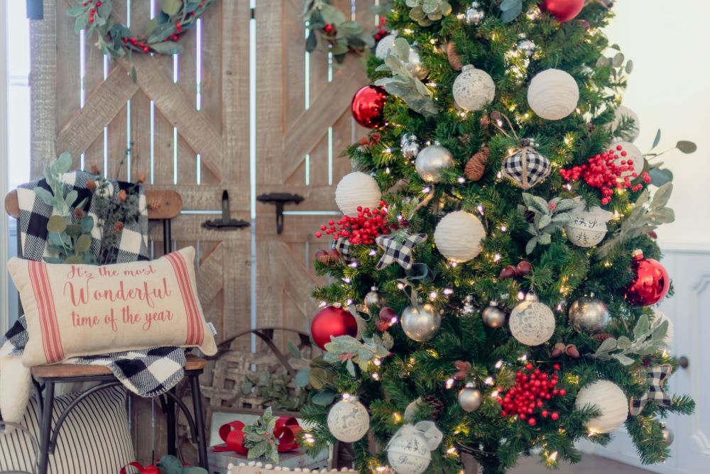 Country Christmas Decorating Ideas - country Christmas tree