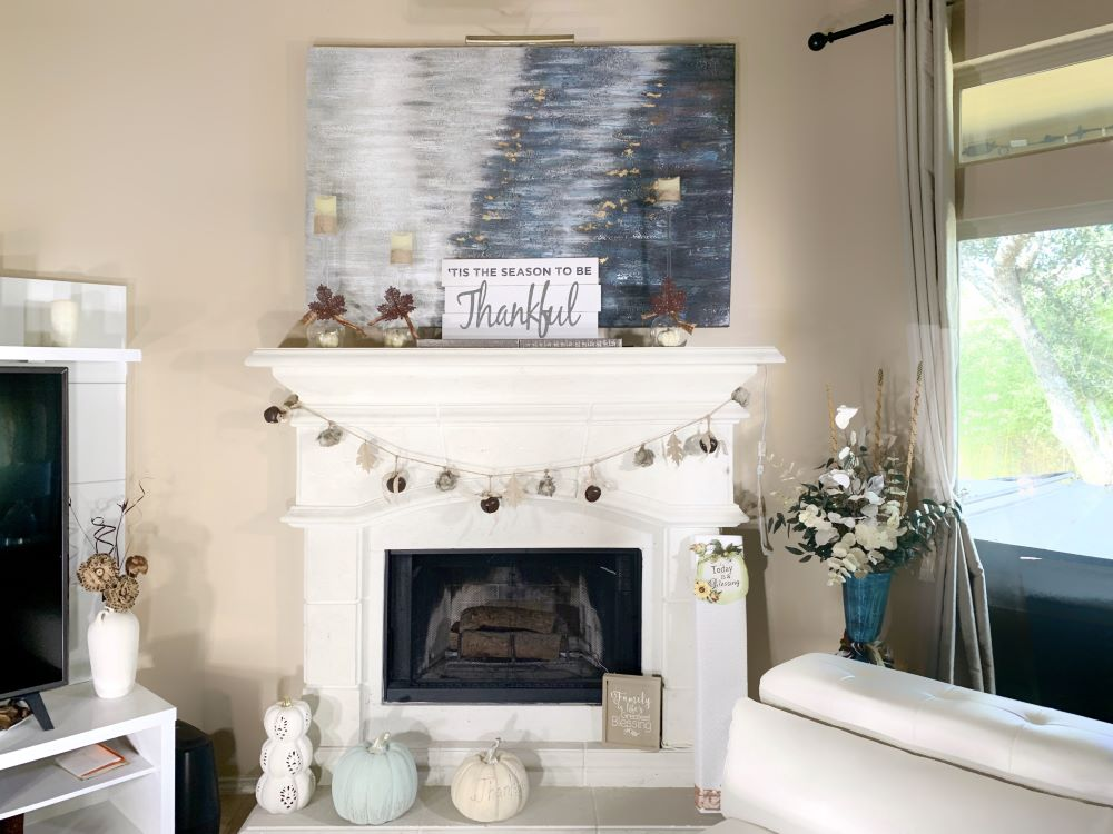 How To Decorate Using Fall Colors - fall living room decor