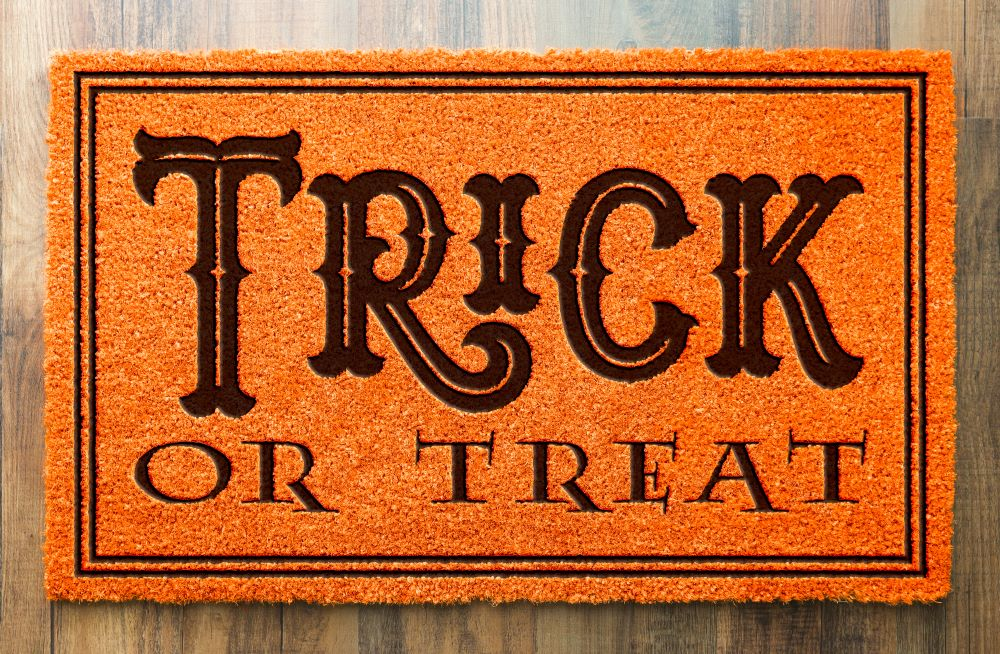 How To Transition The Porch From Fall To Halloween - trick or treat doormat